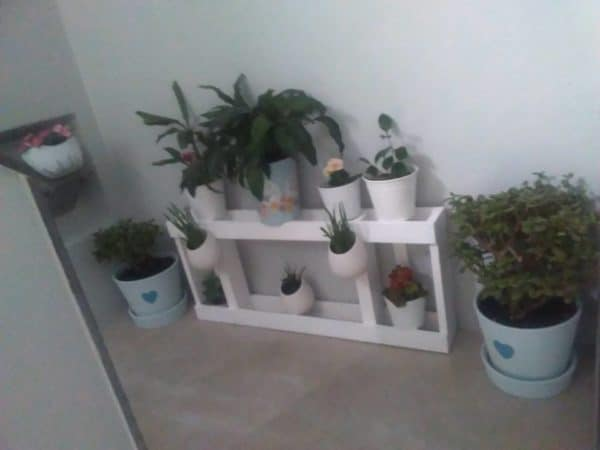 Urban Pallet Wood Plant Stand: Great For Small Spaces 1 • Recycled Pallets