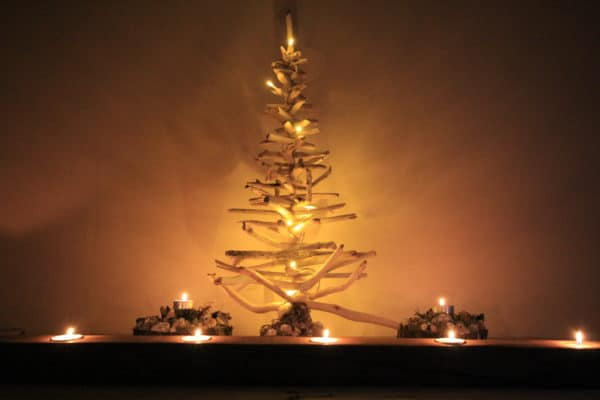 Driftwood Holiday Trees Add Natural Beauty 11 • Lamps & Lights