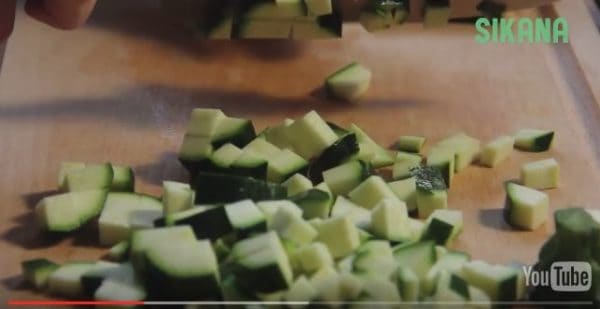 The DIY Video will show you how to easily upcycle those extra zucchini into a yummy summer soup!