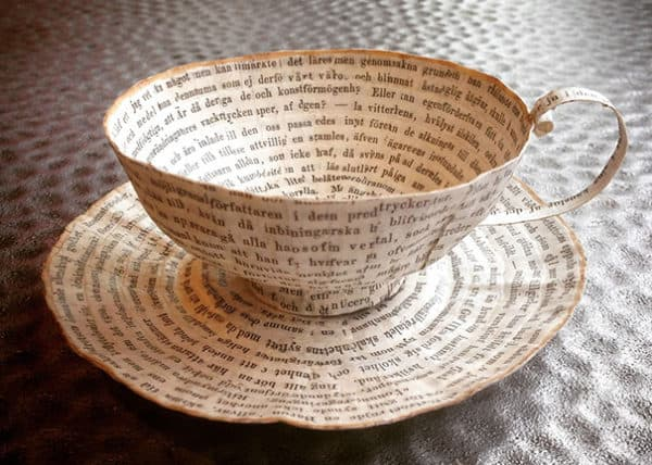 Top 10 Ideas of Repurposing Old Books 1 • Recycling Paper & Books