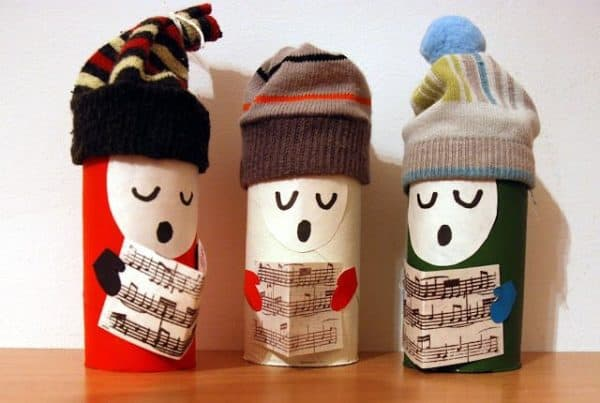 Use old baby socks and empty TP cardboard tubes to make Christmas Decorations that are adorable.