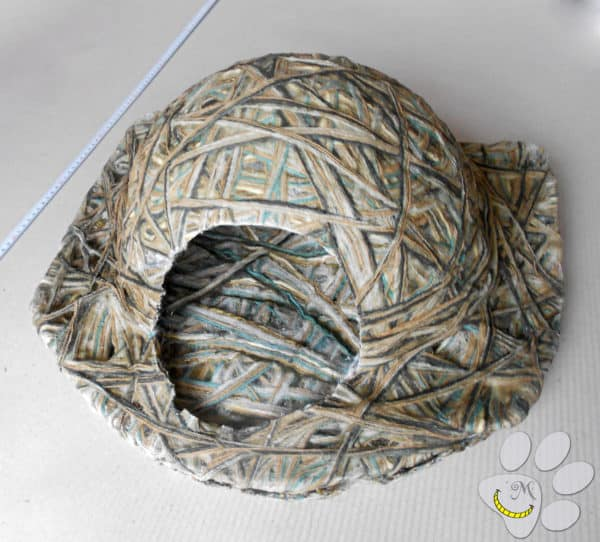 Make a Yarn-Mache Pet Igloo with homemade DIY glue and old yarn!