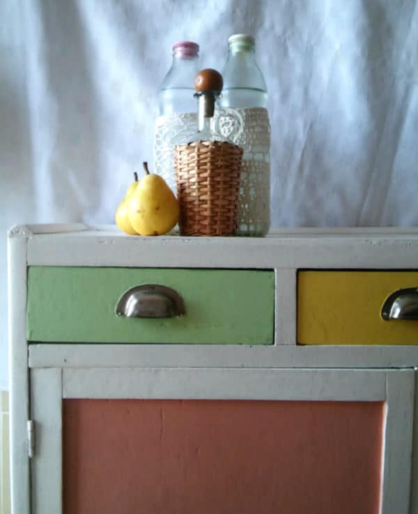 The colors on the drawers and cabinet faces look stunning against the white that I used for the 1950's Cabinet.