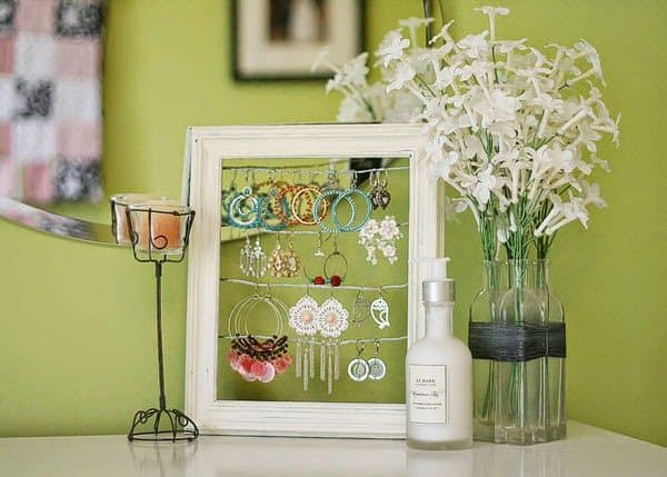 Extraordinary Ways to Recycle Old Household Products to Uniquely New Artifacts 1 • Do-It-Yourself Ideas