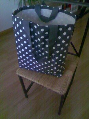Sturdy Shopping Trolley Using Upcycled Plastic Container 4 • Recycled Plastic