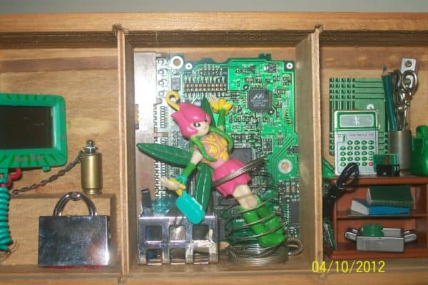 Techno Art: Recycled Art from Computer Electronic Parts 15 • Recycled Electronic Waste