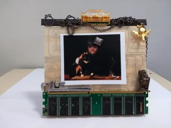 Techno Art: Recycled Art from Computer Electronic Parts 1 • Recycled Electronic Waste