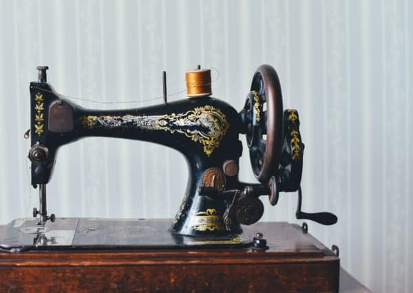 Diy: Cleaning up Your Vintage And/Or Antique Sewing Machines 15 • Do-It-Yourself Ideas
