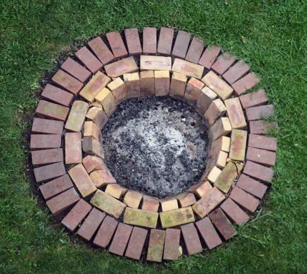 What To Do With Old Bricks? Here are 14 Ways To Reuse Them In Your Garden 13 • Garden Ideas
