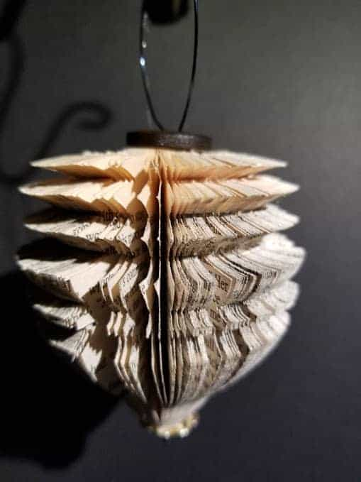 Christmas Ornaments From Old Books 5 • Recycling Paper & Books