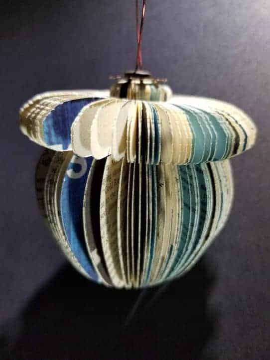 Christmas Ornaments From Old Books 7 • Recycling Paper & Books