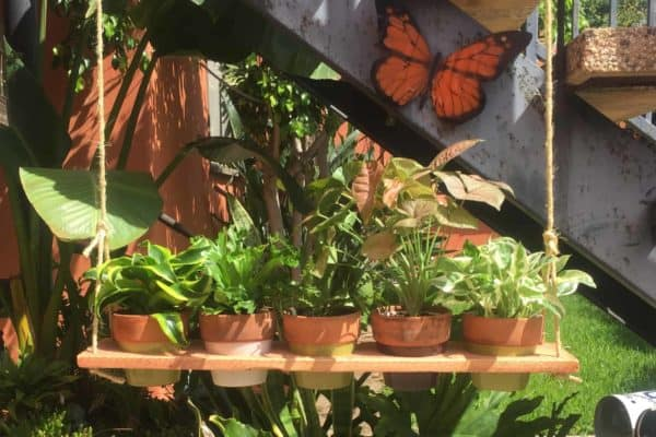 Cedar Plant Swing Holder 9 • Garden Ideas