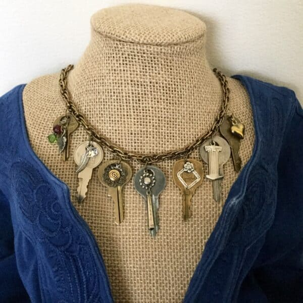 Repurposed Keys Make A Fashion Statement 5 • Upcycled Jewelry Ideas