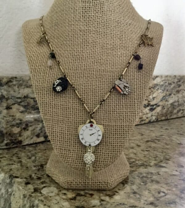 Repurposed Keys Make A Fashion Statement 3 • Upcycled Jewelry Ideas