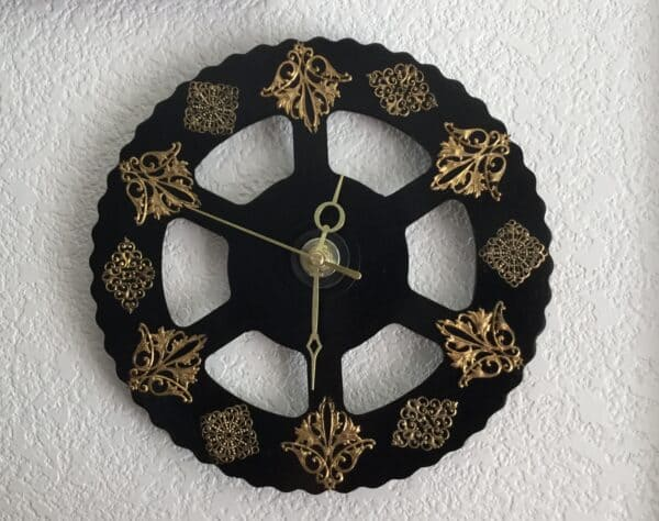 Upcycled Clocks Made From Just About Anything 1 • Home & décor