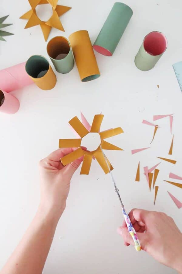 Make Christmas Ornaments With Toilet Paper Rolls 5 • Recycled Cardboard
