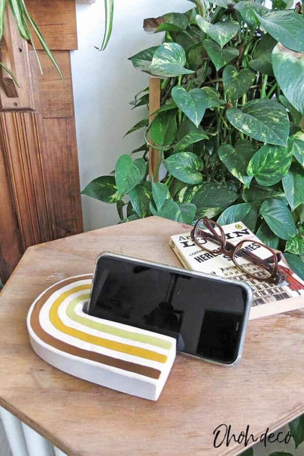 DIY Cell Phone Stand 5 • Recycled Cardboard