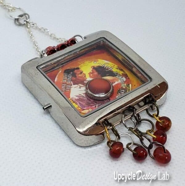DIY: Watch Parts Into Pendants 5 • Upcycled Jewelry Ideas