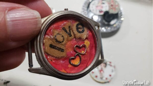 DIY: Watch Parts Into Pendants 11 • Upcycled Jewelry Ideas