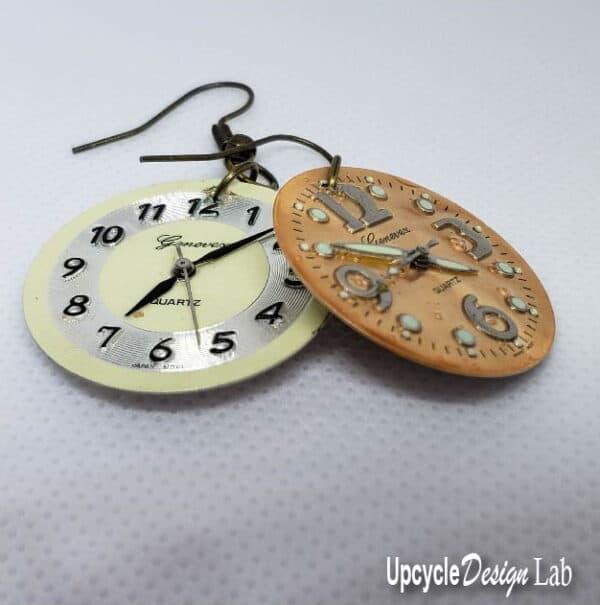 Simple Watch Face Earrings (Version 2) 3 • Upcycled Jewelry Ideas