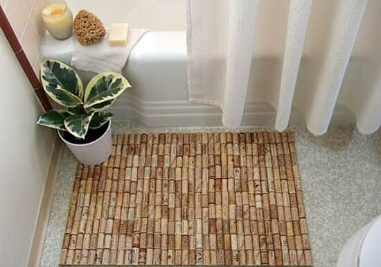 Wine-cork-bath-mat