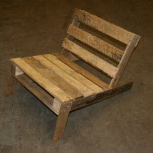 diy-pallet-chair-3