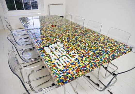 legotable-550x366