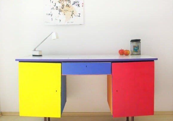 painted_desk_1