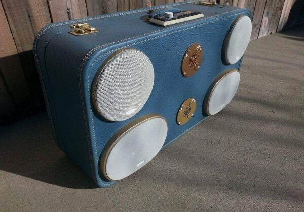 recyclart.org-suitcase-boombox