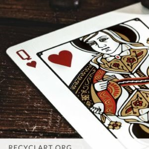 recyclart.org-arts-crafts-with-old-playing-cards-04