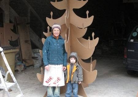 recyclart.org-cardboard-christmas-tree