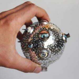 recyclart.org-eye-ball-ornament-03
