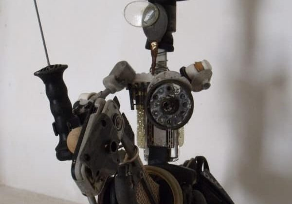 recyclart.org-don-quijote-de-la-mancha-upcycled-scrap-sculpture-01