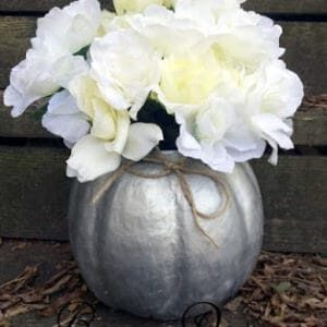 recyclart.org-easy-fall-paper-mache-pumpkin-container-or-vase