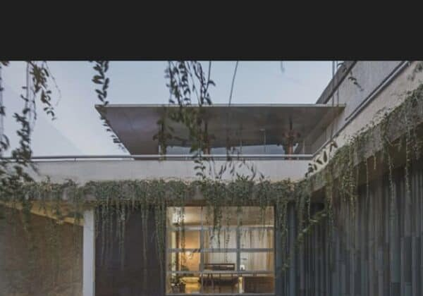 recyclart.org-exclusive-collage-house-developed-from-recycled-doors-and-windows-04