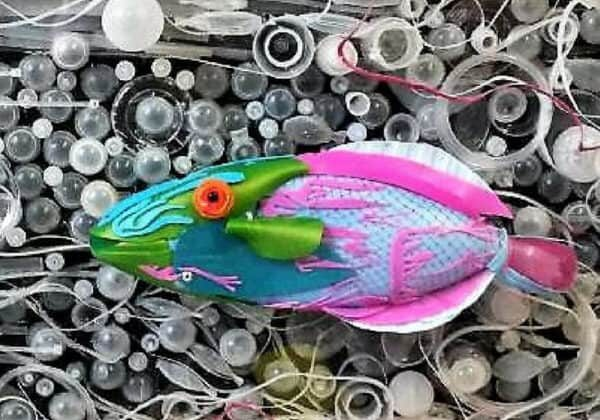 recyclart.org-fred-the-friendly-fish-plastic-oceans-v-household-plastics-02