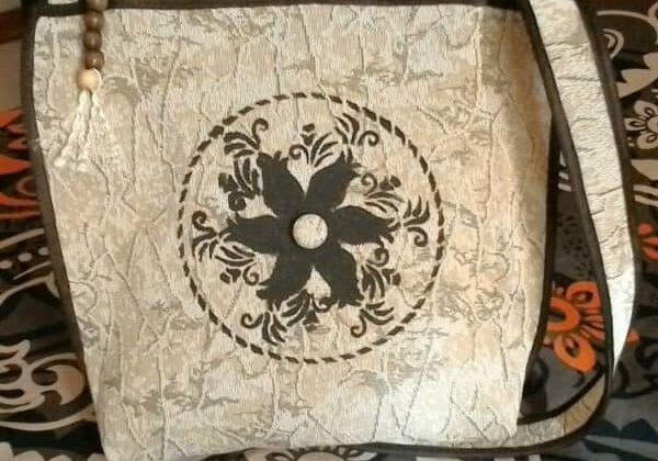 recyclart.org-handy-crafts-bag-made-from-upcycled-sofa-cover-3