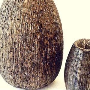 recyclart.org-large-recycled-cardboard-vases-2
