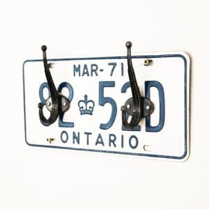 recyclart.org-license-plate-coat-rack