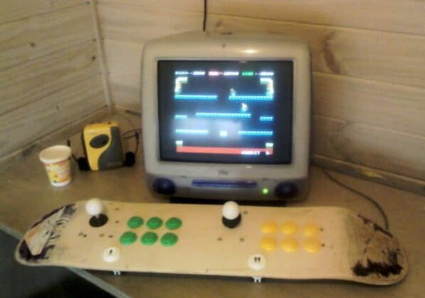 recyclart.org-recycled-skateboard-retro-mame-games-interface