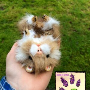 recyclart.org-tbl-recycled-clothing-poseable-hamster