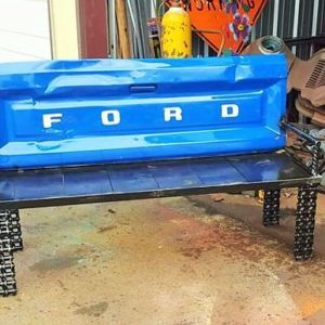 recyclart.org-upcycled-garden-ideas-scrap-metal-truck-tailgate-bench