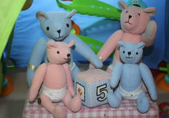 recyclart.org-upcycled-rubbish-bears-01