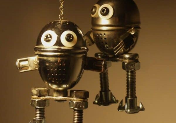 recycled-robot-sculpture