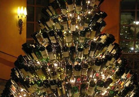 wine-christmas-tree